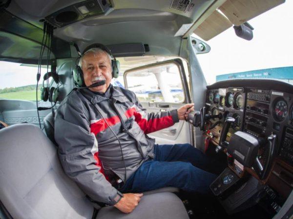 Vzrušující pilotování letadla na zkoušku Praha