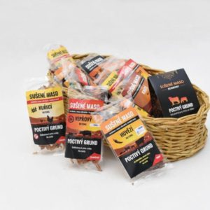 Dárkový koš sušeného masa – 12 balení + masové bonbony jako dárek Celá ČR